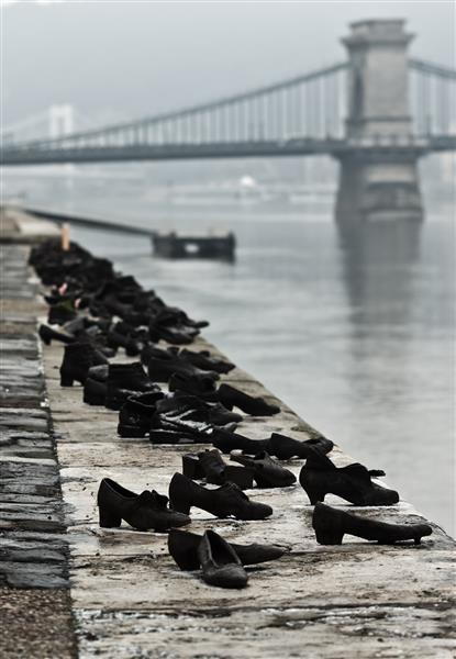 Shoes_Danube_Promenade_IMGP1297 (Medium)
